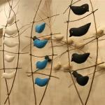 「鳥」 伊東江利子 長久手は文化と自然が豊かなところ。NAF2012で田んぼに竹クマを制作した昨夏、鳥のさえずりに癒されたのが印象的でした。画像の作品は、竹クマに遊びに来た鳥たちを想い出しながら作りました。 今回の展示には、染色家坂下さんの布を使って優しい色合いの鳥を作ります。